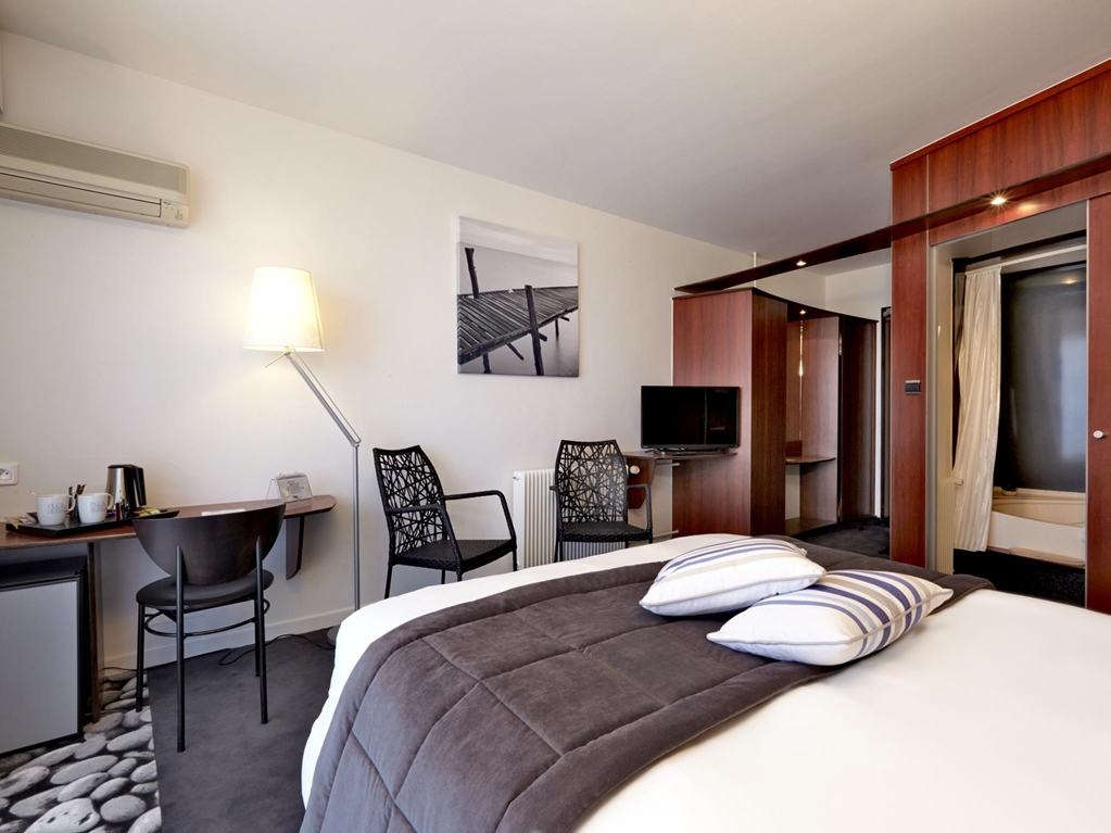 hotel kyriad les sables d 39 olonne plage kyriad. Black Bedroom Furniture Sets. Home Design Ideas