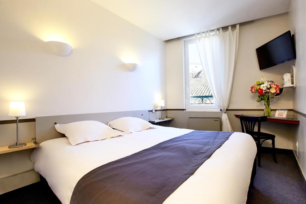 Hotel kyriad nimes centre kyriad for Hotels nimes