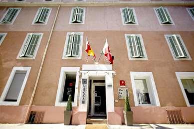 Hôtel KYRIAD NIMES CENTRE