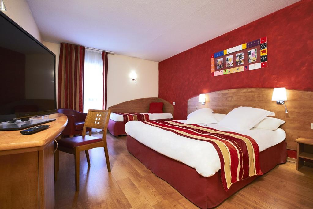 Hotel kyriad n mes ouest kyriad for Hotels nimes