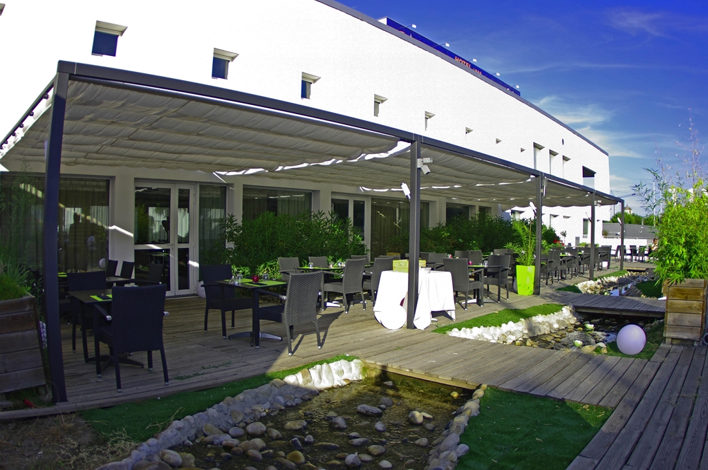Hotel kyriad prestige montpellier ouest croix d 39 argent for Hotels montpellier