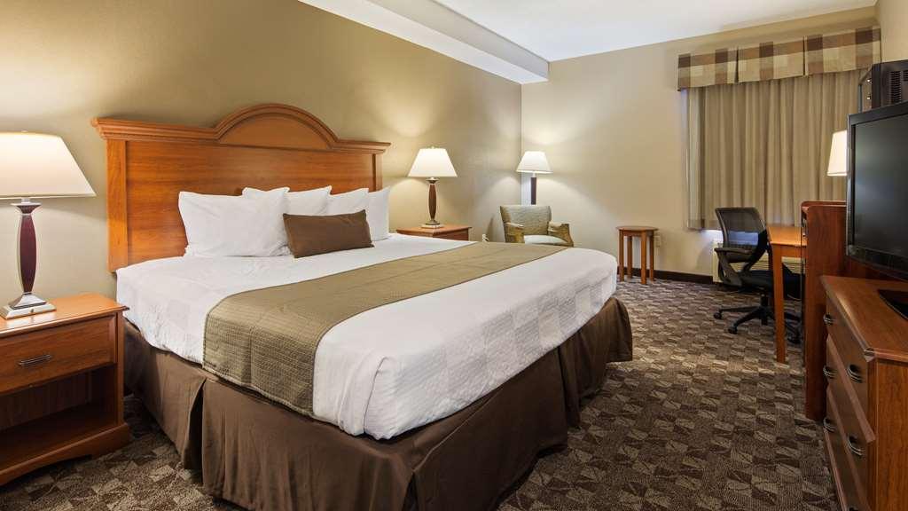 Best Western Plus Oak Mountain Inn - Pelham, AL 35124
