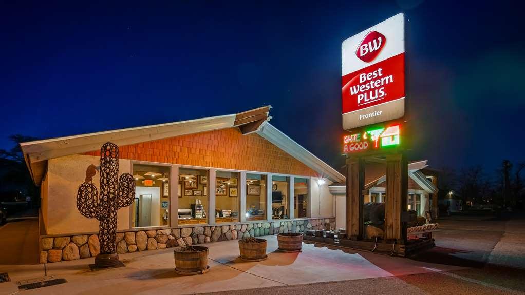Best Western Plus Frontier Motel