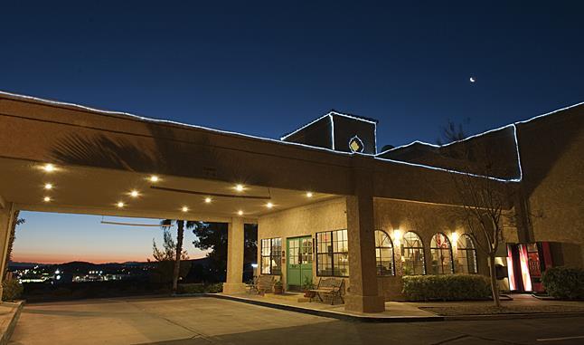 Best Western Gardens Hotel At Joshua Tree National Park - Twentynine Palms, CA 92277