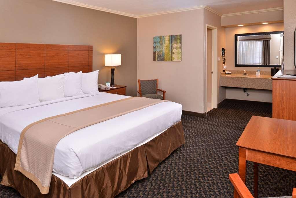 Best Western Oxnard Inn - Oxnard, CA 93030