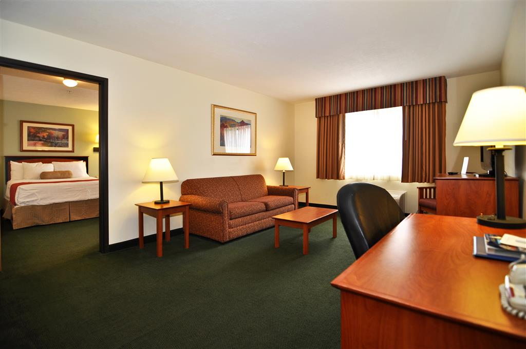 Best Western Plus Eagleridge Inn & Suites - Pueblo, CO 81008
