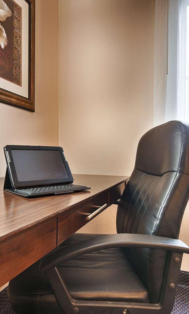 Best Western Plus Brandywine Inn & Suites - Monticello, IN 47960