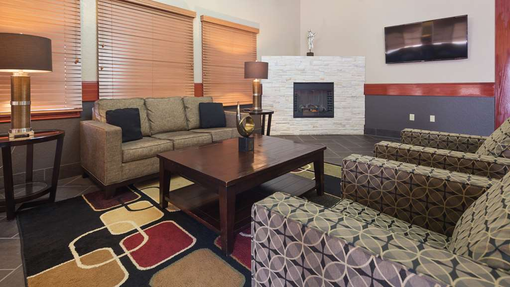 Best Western Plus Pioneer Inn & Suites - Grinnell, IA 50112