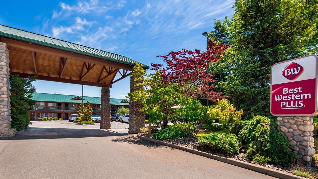 Best Western Plus Hartford Lodge