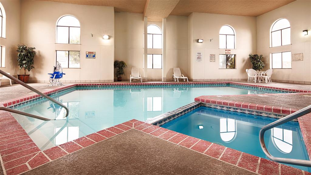 Best western windsor inn in dumas tx free internet swimming pool indoor pool pets for Amarillo parks and recreation swimming pools