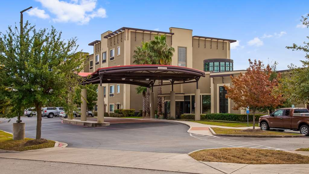 Best Western Plus Lackland Hotel & Stes
