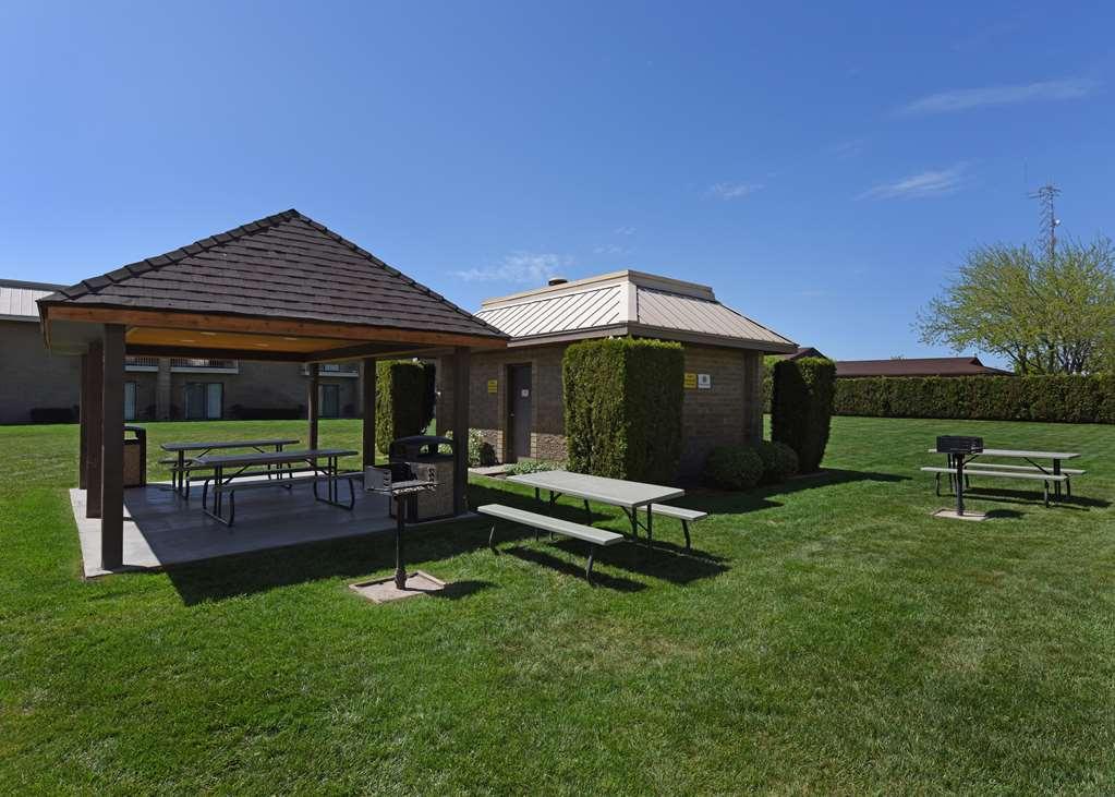 Best Western Plus Ahtanum Inn - Yakima, WA 98903