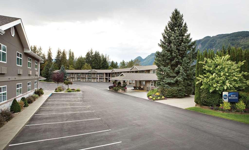 Best Western Sicamous Inn - Sicamous, BC V0E 2V0