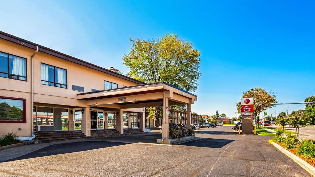 Best Western Plus Ottawa Kanata Hotel