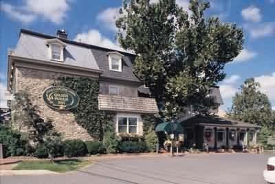 Golden Plough Inn at Peddler's Village