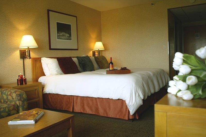 Gateway Hotel And Conference Center - Ames, IA 50014