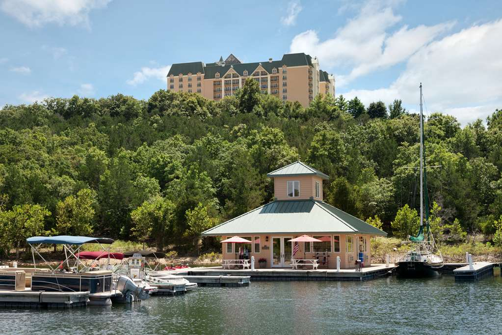 Chateau on the Lake Resort & Spa
