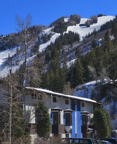 The St Moritz Lodge & Condominiums