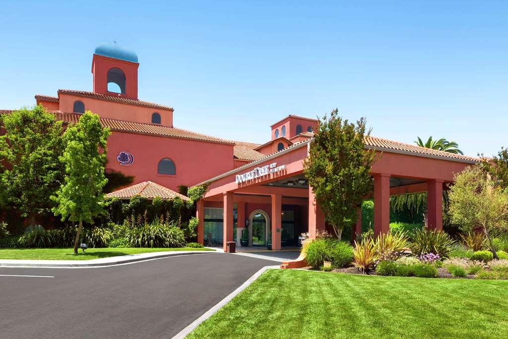 Doubletree Hotel Sonoma County