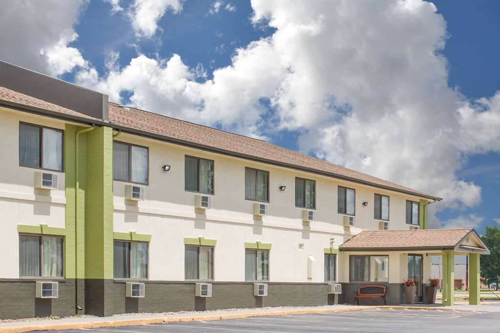 Baymont Inn & Suites Ames