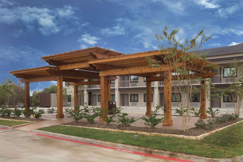 Baymont Inn/Suites Bryan College Station