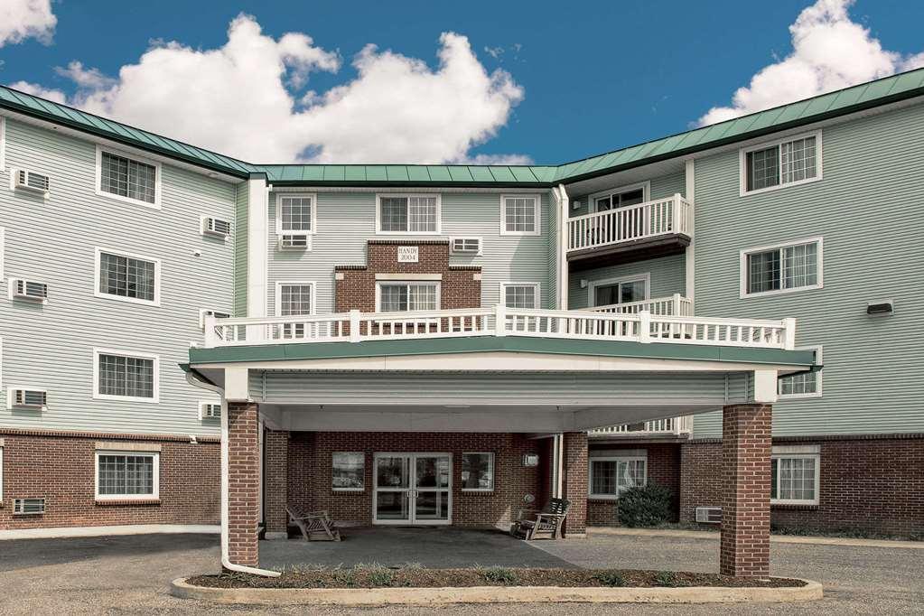 Baymont Inn/Suites Essex Burlington Area