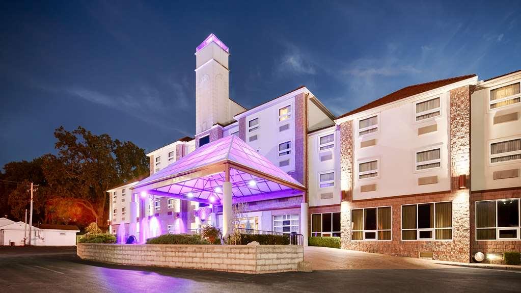 Best Western Plus Sandusky Hotel & Suite