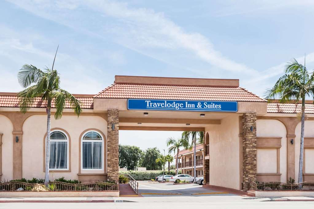 Travelodge Inn & Suites Bell Los Angeles Area - Bell, CA 90201-2524