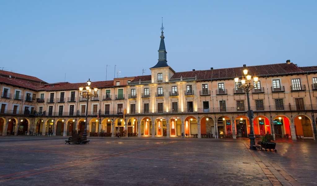 NH Collection Leon Plaza Mayor