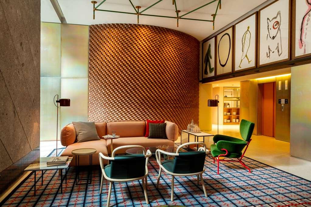 Room Mate Giulia Hotel