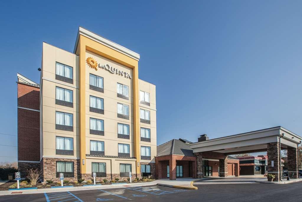 La Quinta Inn & Suites Philadelphia Arpt