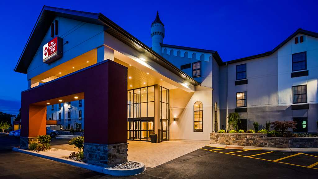 Best Western Plus Grand Castle Inn & Sts