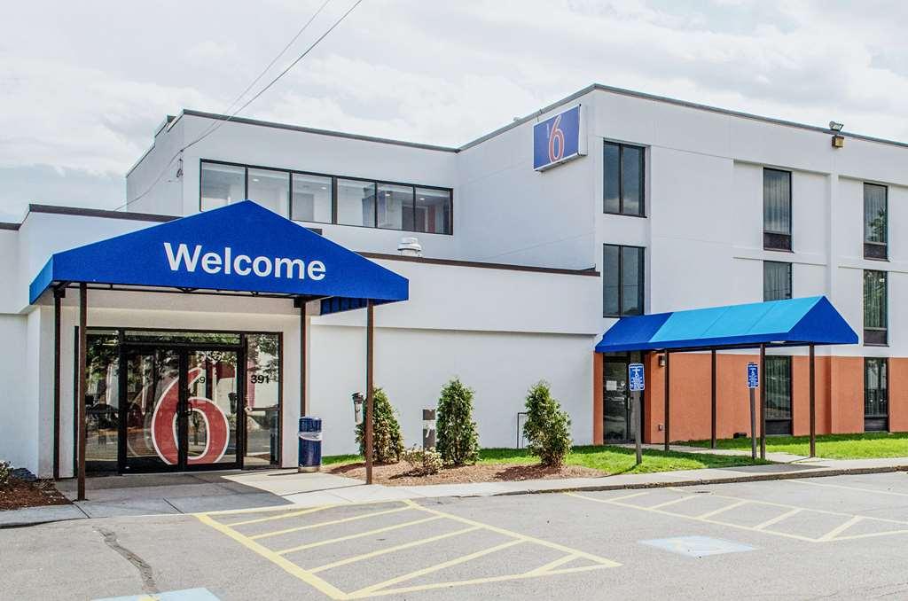 Motel 6 Brockton