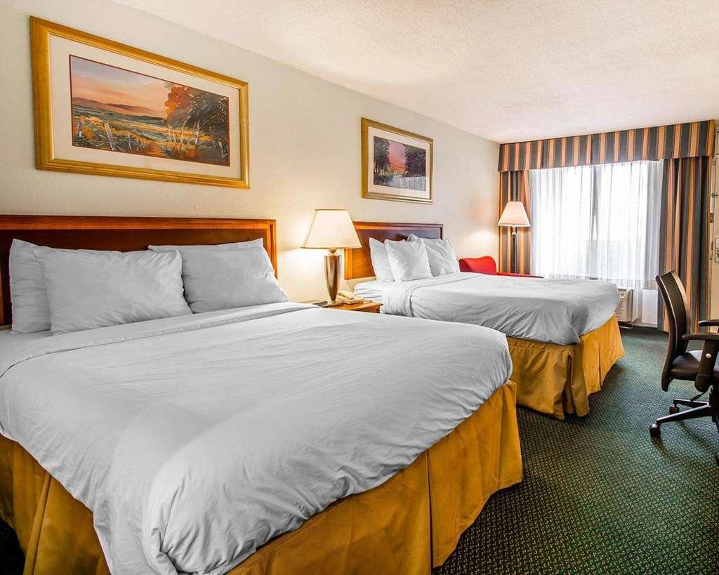 Clarion Inn & Suites Dothan - Dothan, AL 36301