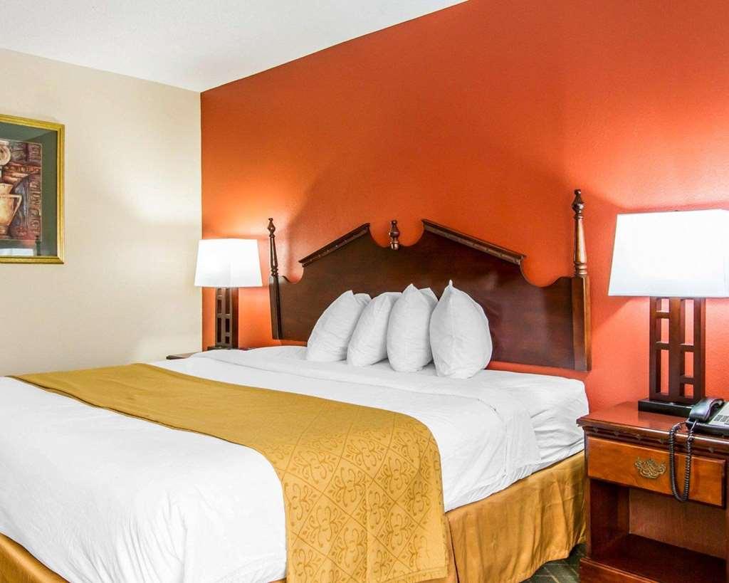 Quality Inn Saraland - Eight Mile, AL 36571