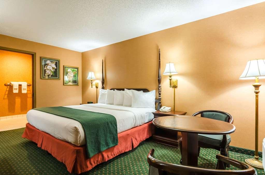 Quality Inn Eureka Springs - Eureka Springs, AR 72632