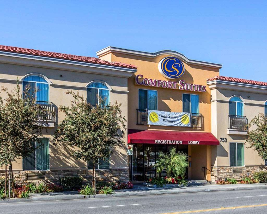 Comfort Suites Near Industry Hills Expo