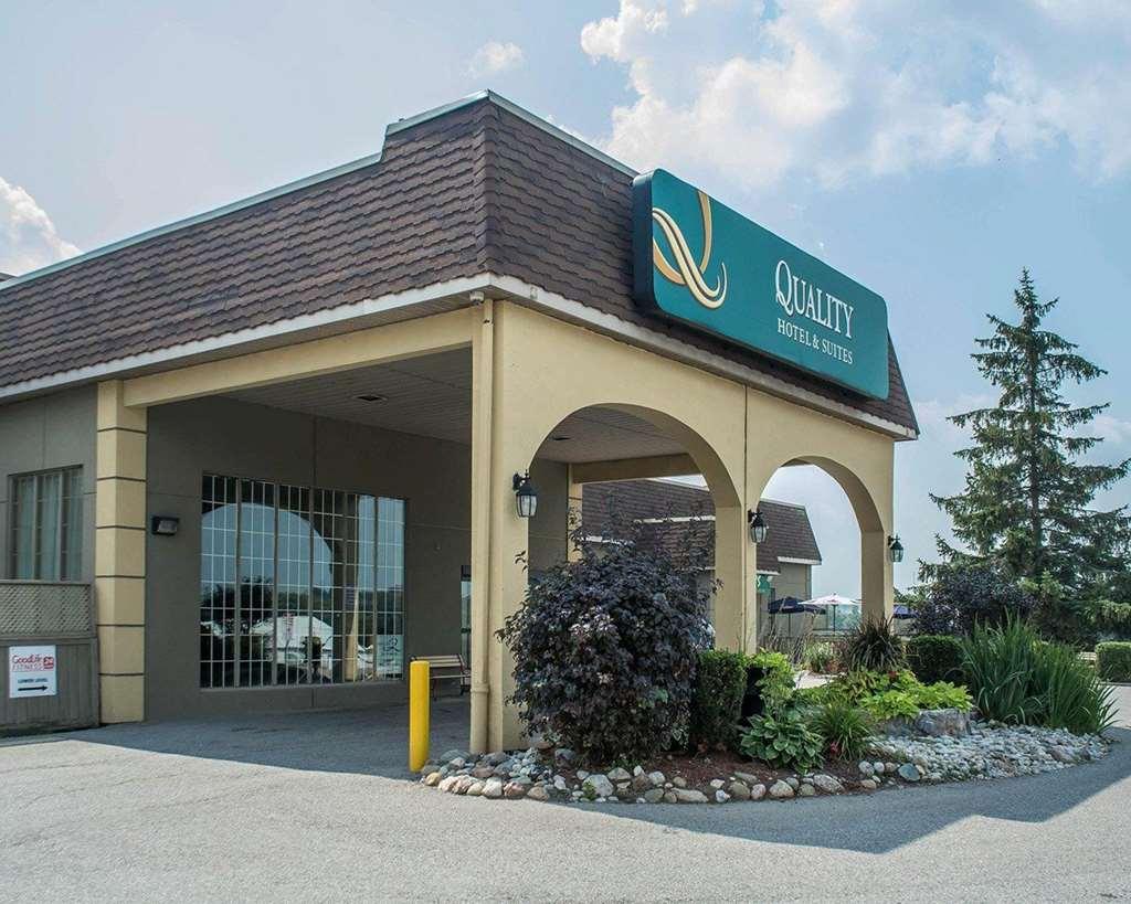 Quality Hotel & Suites Convention Centre