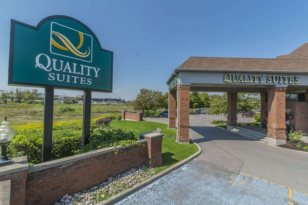 Quality Suites Whitby - Whitby, ON L1N 6A7