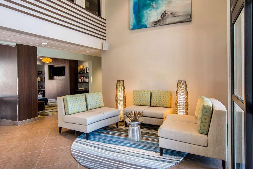 Clarion Inn & Suites - Atlanta, GA 30313