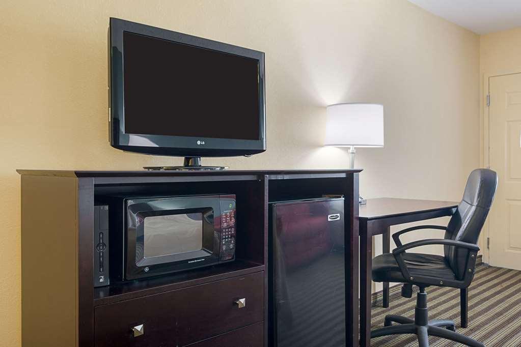 Quality Inn - Calhoun, GA 30701