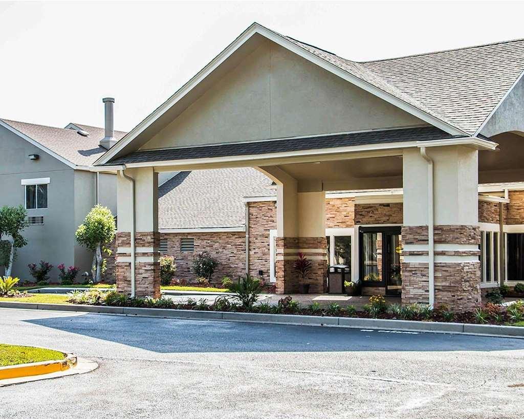 Clarion Inn & Suites Savannah