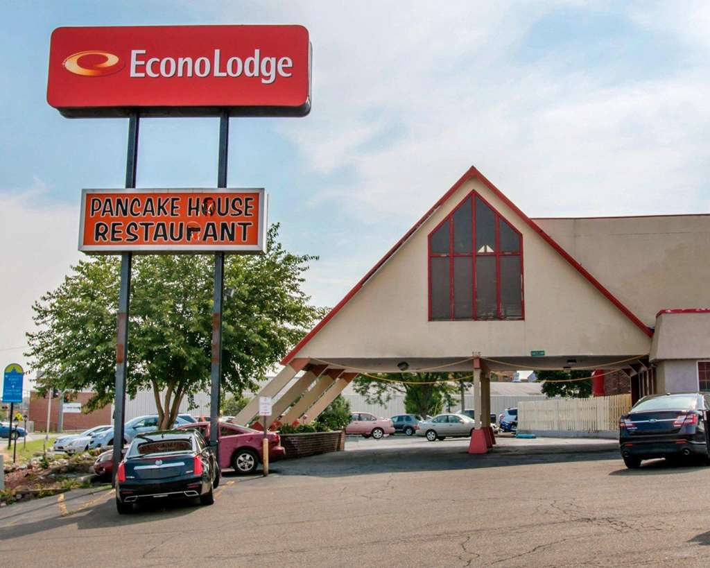 Econo Lodge Battle Creek - Battle Creek, MI 49015