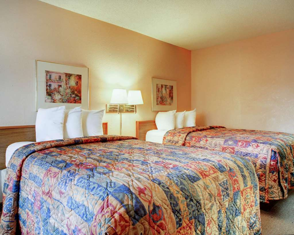 Econo Lodge North - Ridgeland, MS 39157