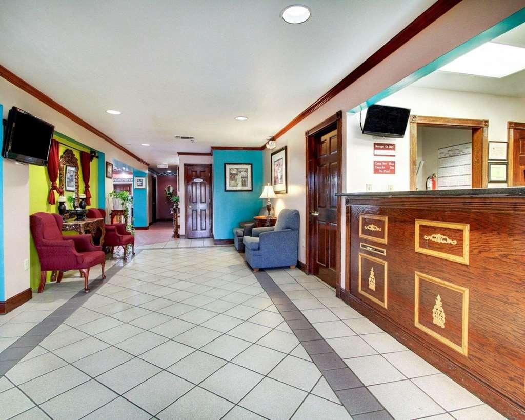 Rodeway Inn Laurel - Laurel, MS 39440