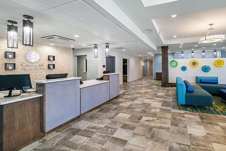 Lobby - Comfort Inn & Suites Oklahoma City