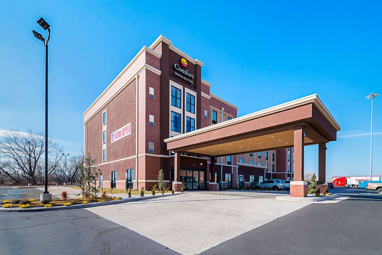 Exterior view - Comfort Inn & Suites Oklahoma City