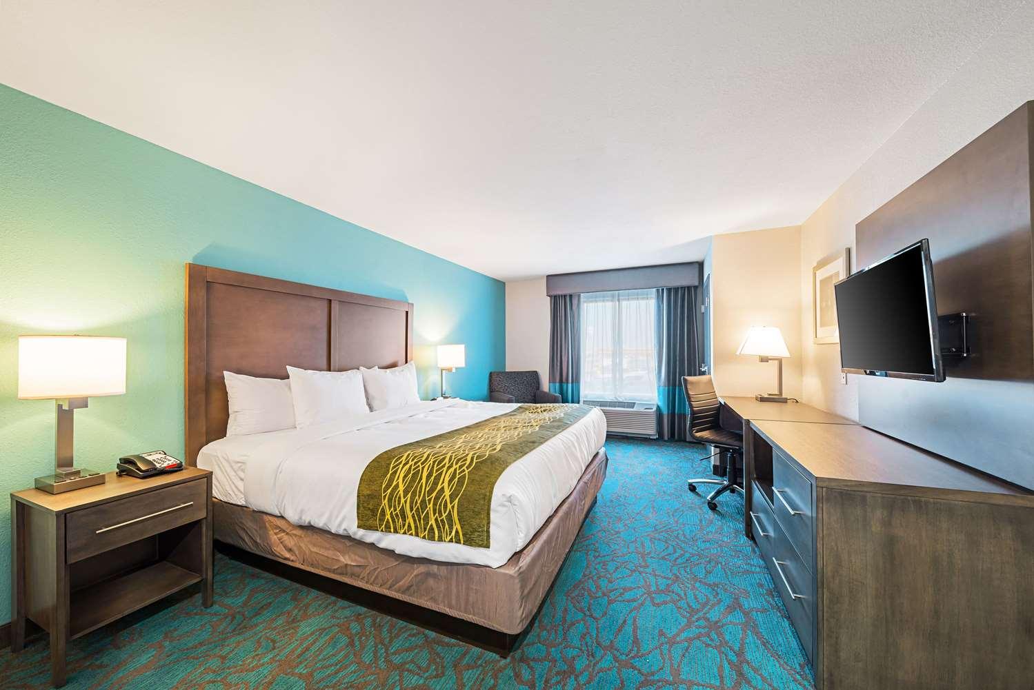 Room - Comfort Inn & Suites Oklahoma City