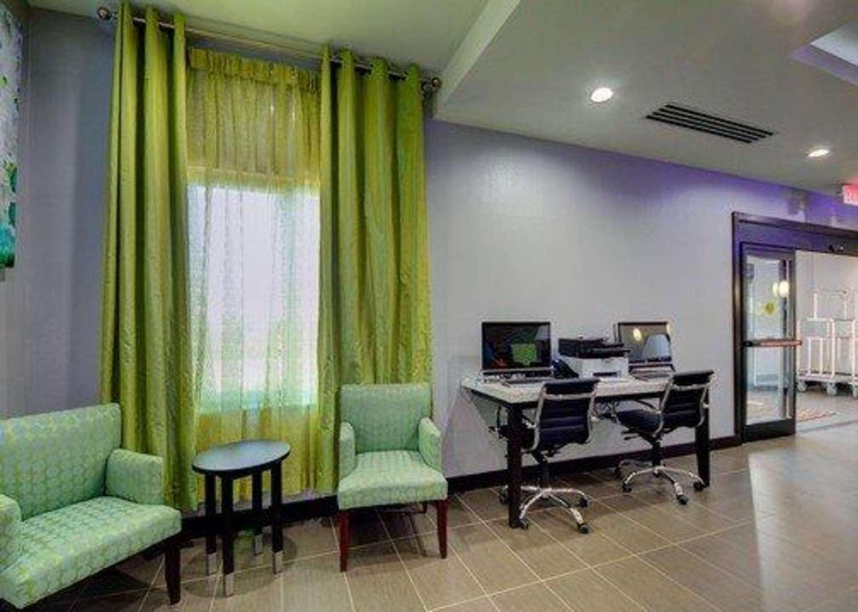 Conference Area - Comfort Inn & Suites Tulsa