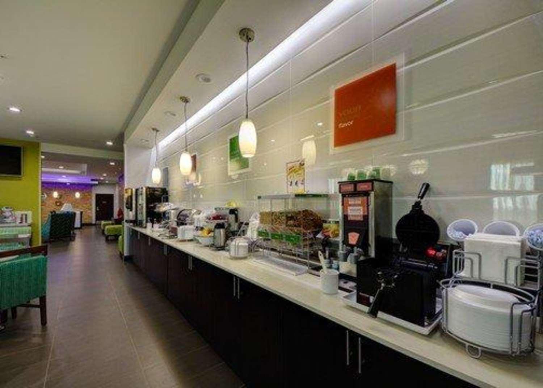 Restaurant - Comfort Inn & Suites Tulsa